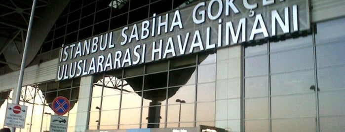 Aeroporto Internacional de Istanbul / Sabiha Gökçen (SAW) is one of Locais curtidos por Hülya.