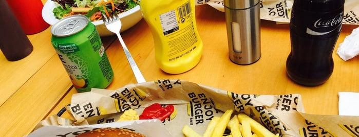 Enjoy Burger House is one of Sadalmelek'in Kaydettiği Mekanlar.