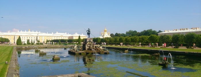 Peterhof Museum Reserve is one of Posti che sono piaciuti a Kirill.