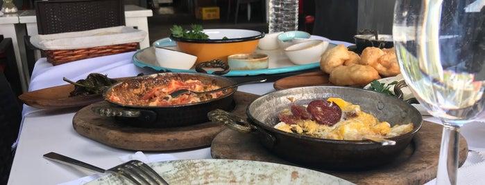 Lotus Restaurant & Home is one of Kahvaltı için Denenebilir.