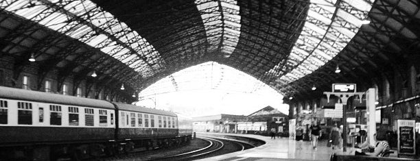 Bristol Temple Meads Railway Station (BRI) (TPB) is one of Posti che sono piaciuti a Barry.