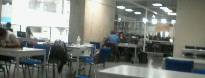 Biblioteca Facultad de Ciencias is one of Tempat yang Disukai Francisco.