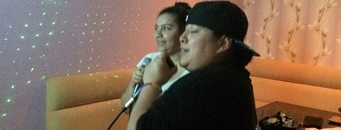 Fm Karaoke is one of สถานที่ที่ Sascz (Lothie) ถูกใจ.