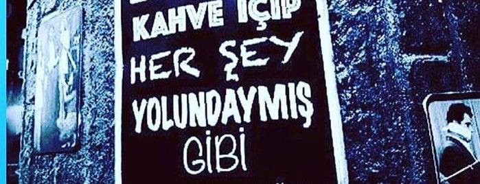 gözde fırın is one of Orte, die Özgür gefallen.