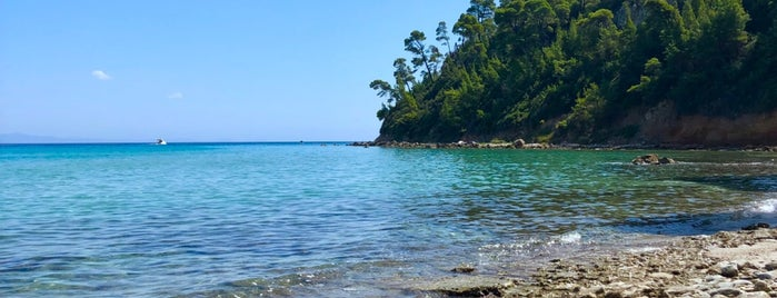 Kallithea Beach is one of Tempat yang Disukai Tuna.