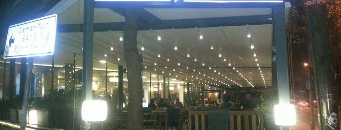 Beyazıt Cafe & Restaurant is one of Posti che sono piaciuti a EMRAH.