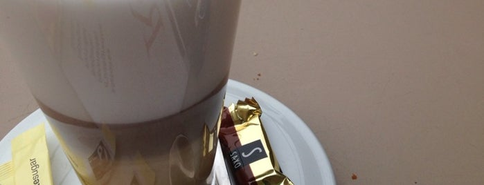 It Coffee is one of 🇫🇷 Nicolas 🇫🇷 님이 좋아한 장소.