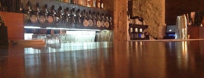 ProRock Pub is one of Tempat yang Disimpan Aleksandra.