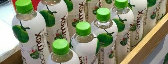 Boost Juice is one of Posti che sono piaciuti a Ian.