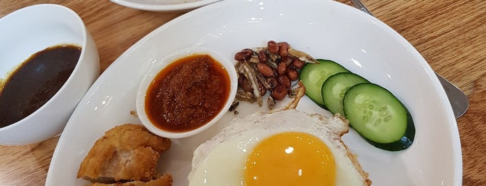 Bison Cafe by MyNews is one of Lugares favoritos de Rahmat.