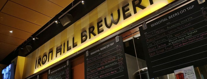 Iron Hill Brewery & Restaurant is one of Davidさんのお気に入りスポット.
