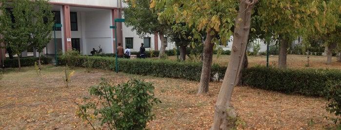 Kimya Metalurji Fakültesi is one of Yıldız Teknik Üniversitesi (YTÜ).