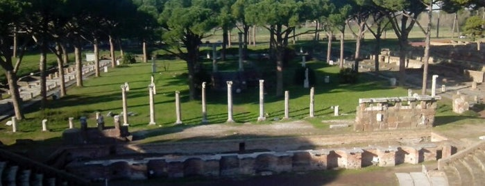 Parco Archeologico di Ostia Antica is one of Lieux sauvegardés par Ali.