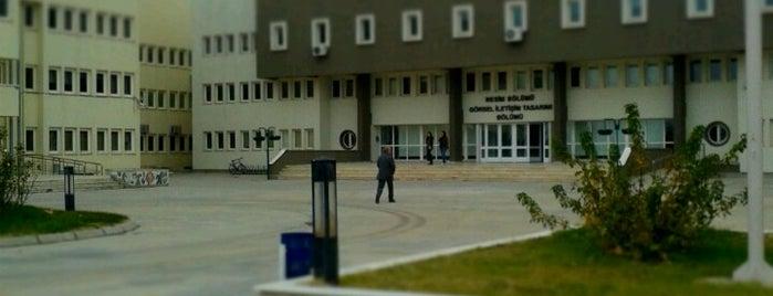 Güzel Sanatlar Fakültesi is one of Lugares favoritos de Ayhan.