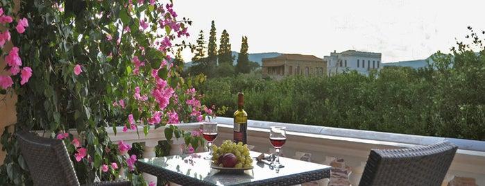 Voulamandis House - Chios Hotel is one of Lugares favoritos de Altuğ.