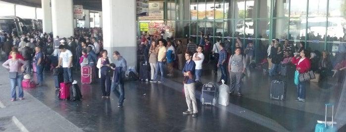 İzmir Şehirler Arası Otobüs Terminali is one of Veni Vidi Vici İzmir 1.