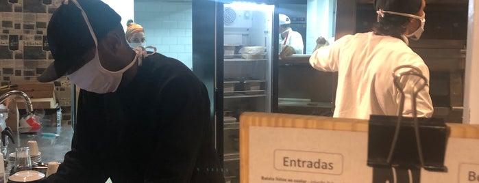 Esfiharia Kebab Salonu is one of Experimentar.