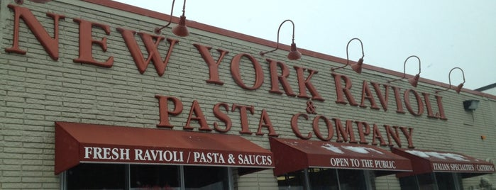 New York Ravioli & Pasta Company is one of Posti salvati di Christopher.