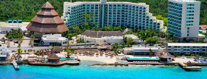 Grand Park Royal Cozumel is one of Tempat yang Disukai Priscila.