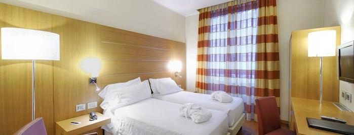 Hotel Canada is one of L.V'ın Beğendiği Mekanlar.