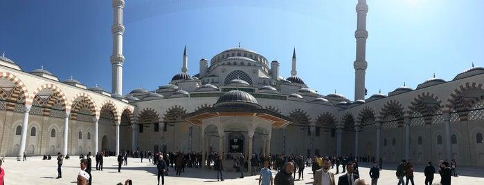 Çamlıca Camii is one of Gurme 님이 좋아한 장소.