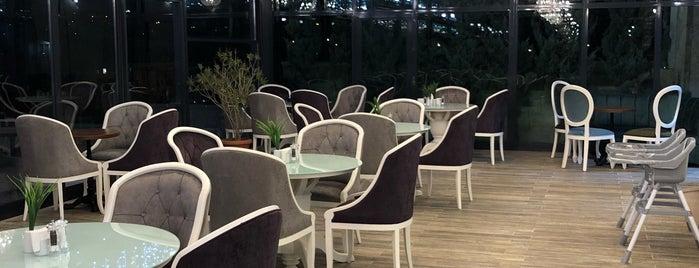 Mihos Cafe & Restaurant is one of Gurme 님이 좋아한 장소.