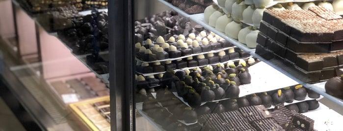 Ali Uzun Geleneksel Şekerci is one of Posti che sono piaciuti a Gurme.