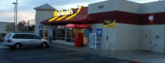 McDonald's is one of Lugares favoritos de Clayton.