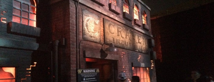 SAW: The Games of Jigsaw at Halloween Horror Nights is one of Lieux qui ont plu à Fernando.
