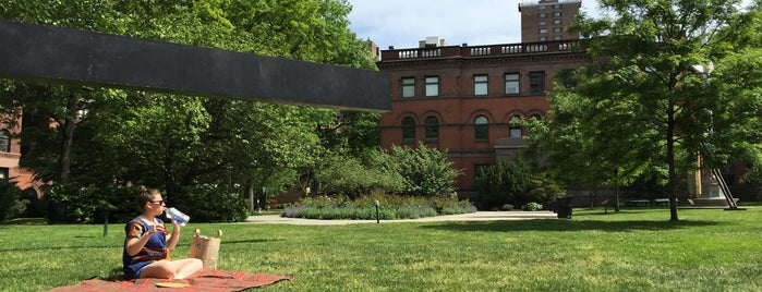 Pratt Sculpture Garden is one of Places to Draw.