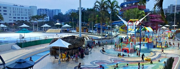Jurong East Swimming Complex is one of Singapura.