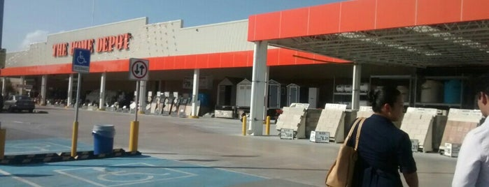 The Home Depot is one of Tempat yang Disukai Jessica.