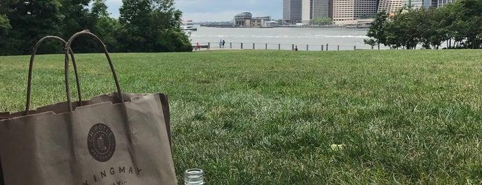 Brooklyn Bridge Park is one of Lugares favoritos de Jeeleighanne.
