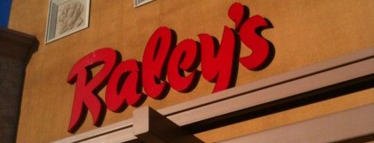 Raley's is one of Lugares favoritos de Alec.