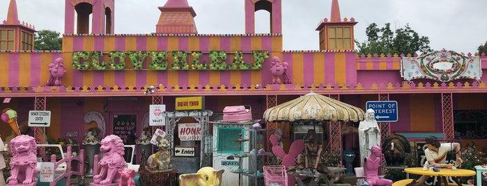 Cloverleaf is one of Freaker USA Stores Southwest.