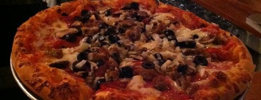 Ridge Pizza is one of Posti che sono piaciuti a brad.