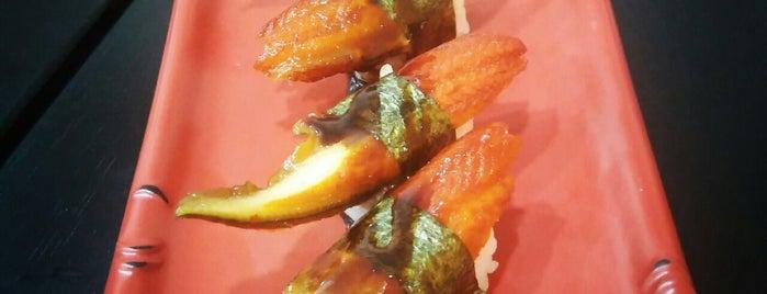 Tominaga Sushi Bar is one of Locais curtidos por Omar.