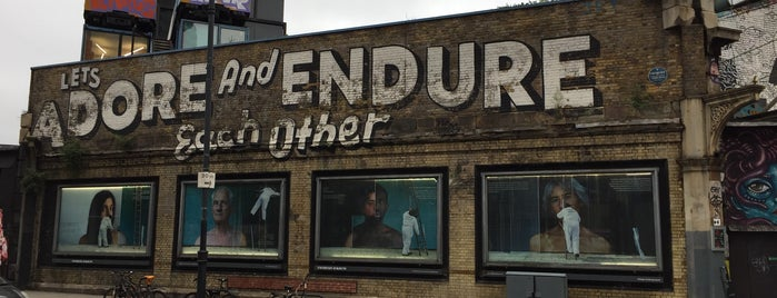 Shoreditch Art Wall is one of LDN to do.