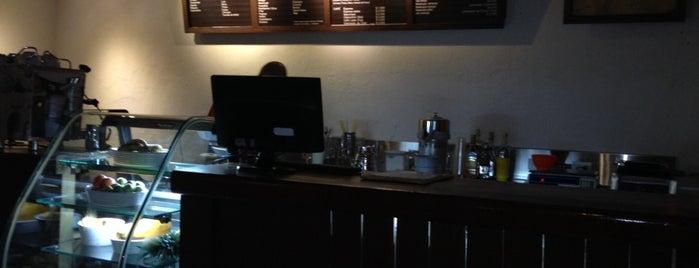 Ceiba Juice Bar is one of Thaly 님이 저장한 장소.