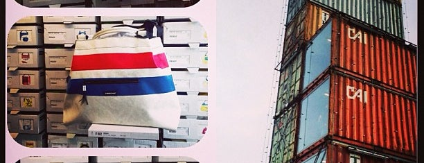 Freitag Flagship Store is one of Nicole 님이 좋아한 장소.