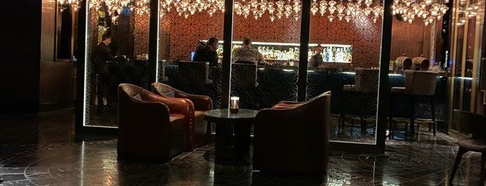 Long Bar is one of Canlı müzik.