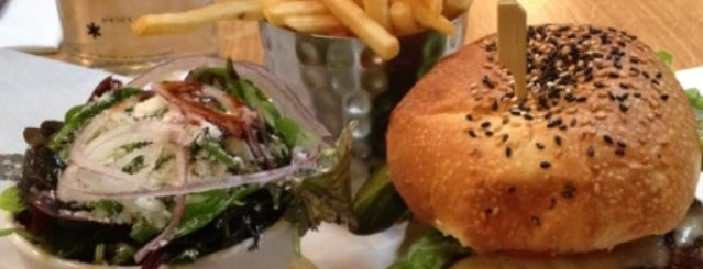 Burger & Lobster is one of New London Openings 2012.