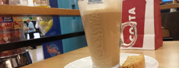 Costa Coffee is one of Locais curtidos por Margarita.