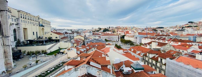 Miradouro do Elevador de Santa Justa is one of Lissabon🇵🇹.