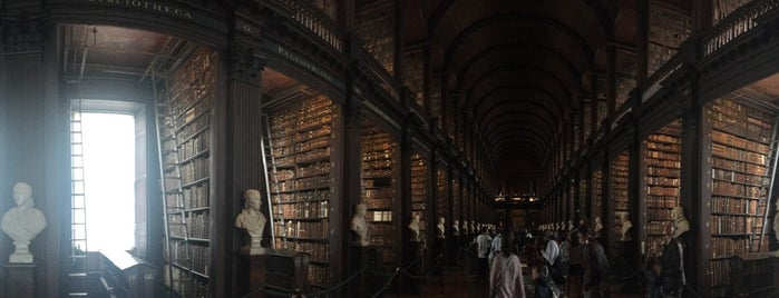 Trinity College Old Library & The Book of Kells Exhibition is one of Ale : понравившиеся места.