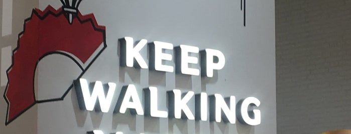 Johnnie Walker Madrid is one of สถานที่ที่ Gizem ถูกใจ.