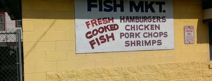 Center Street Fish Market is one of Seafood.