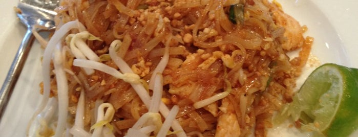 Sarin Thai Cusine is one of Posti che sono piaciuti a Tim.