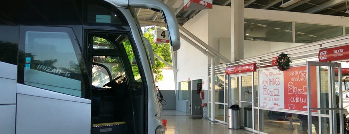 Terminal Ado (Palenque, Chiapas) is one of สถานที่ที่ Miguel ถูกใจ.