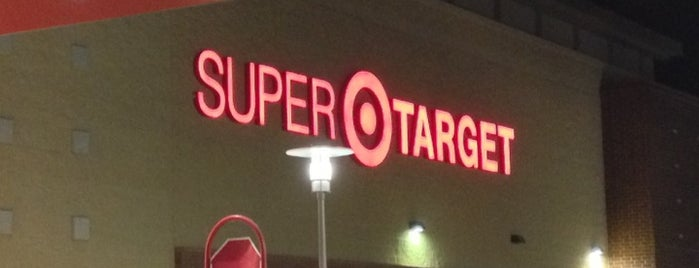 Target is one of Lugares favoritos de Deitra.